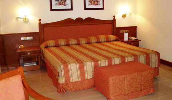 600x350-Hotel-Zentral-Center-Slaaplamer