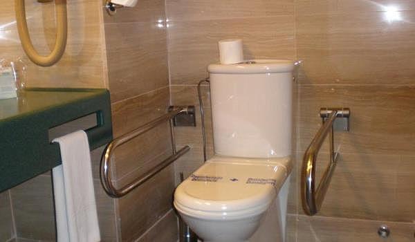 600x350-Hotel-Zentral-Center-WC