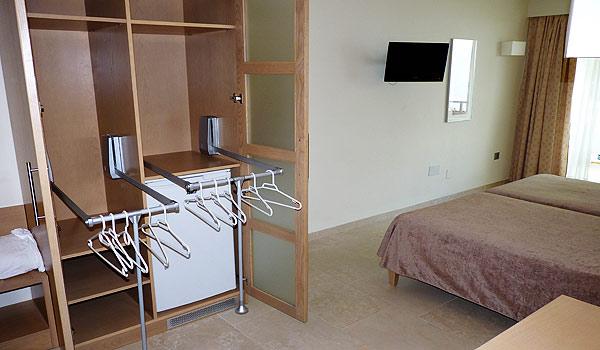 600x350_Mallorca_Hotel-Ponent-de-Mar-Palma-Nova-Slaapkamert-Kast