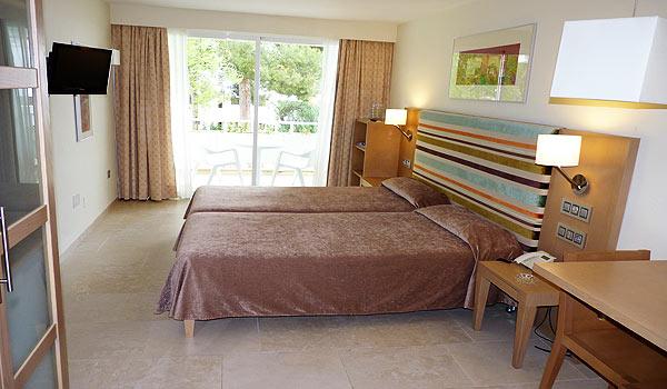 Mallorca_Hotel-Ponent-de-Mar-Palma-Nova-Slaapkamert aangepast rolstoel