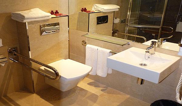Mallorca_Hotel-Ponent-de-Mar-Palma-Nova-WC aangepart voor rolstoel